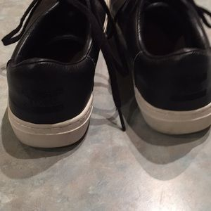 Toms Shoes - Toms black leather sneakers